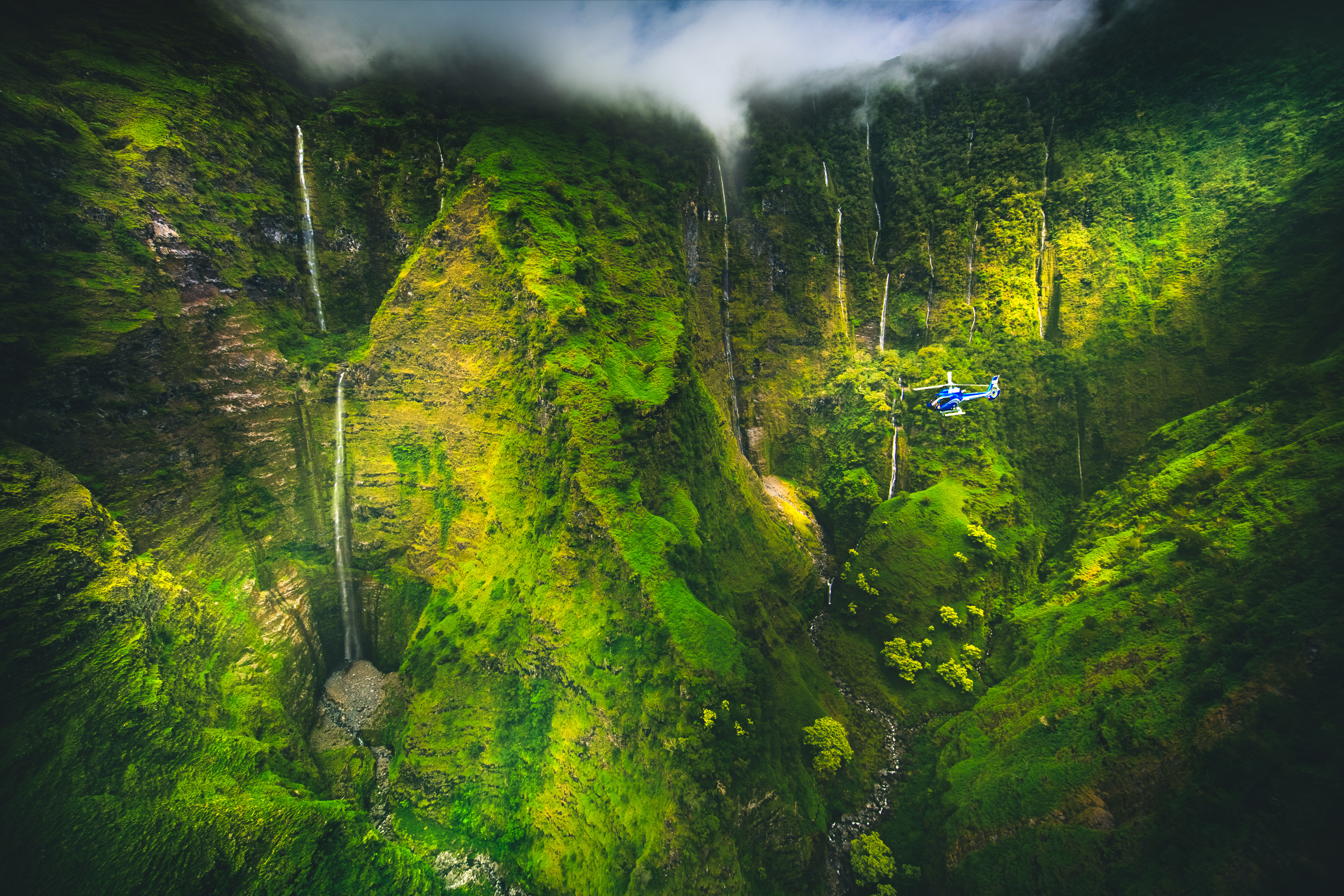 Product Maui Spectacular With Landing Helicopter Tour